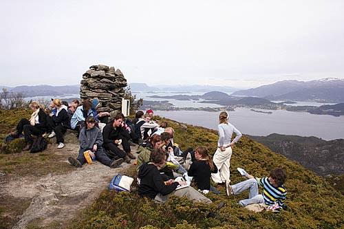 Utsikt fra Borgundnuten mot Halsenøy og Hardanger